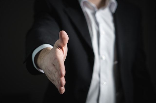 転職活動で年収交渉するベストなタイミングと転職媒体とは?